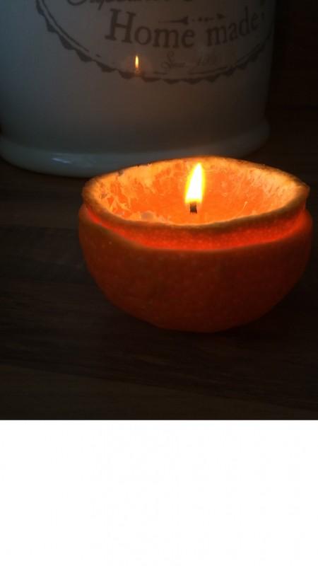 Een mandarijnen kaarsje